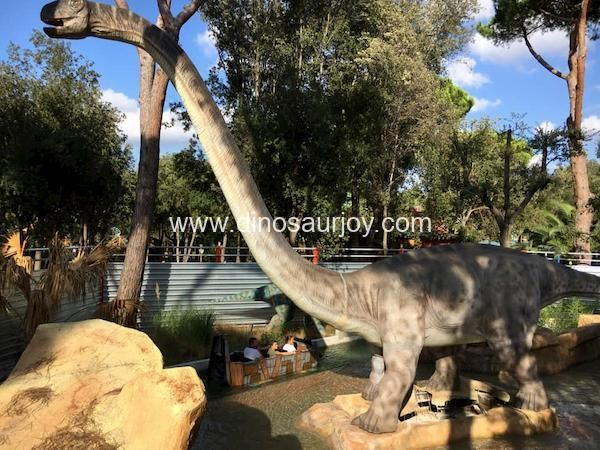 Brachiosaurus in the park