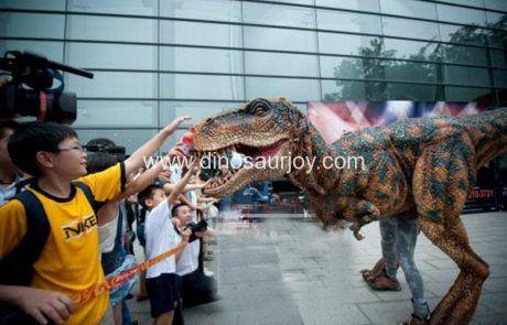 dinosaur-suit-show