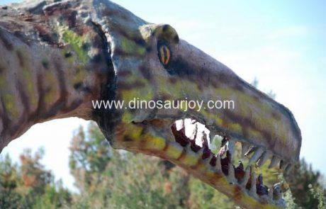 the-head-of-fiberglass-dinosaur