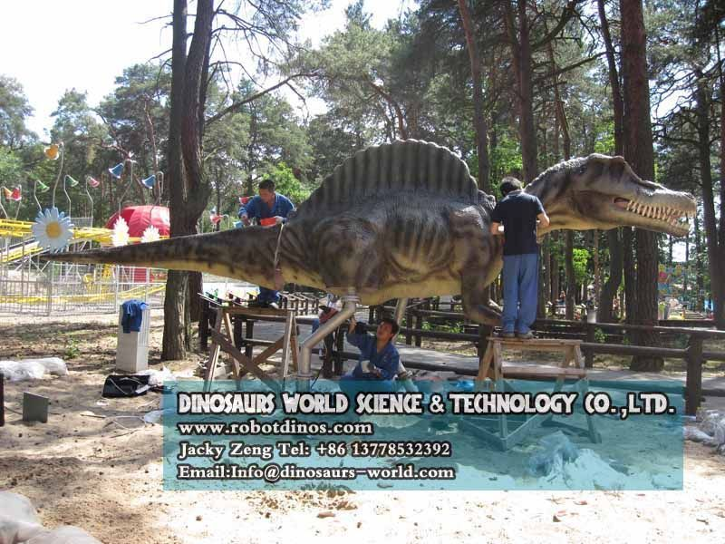 Install spinosaurus legs , head and tail